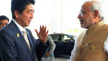 PM_Modi_meets_Japanese_PM_Abe_in_Nay_Pyi_Taw,_Myanmar